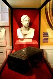 Henri Comte de Chambord et sa valise.
