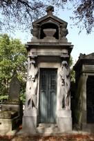 L'art funéraire qui participe à l'ambiance du cimetière