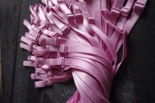 rebecca-fabulatrice-matiere-bretelles-soutien-gorge-rose-1