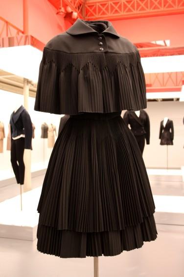 Petite robe noire Azzedine ALAIA
