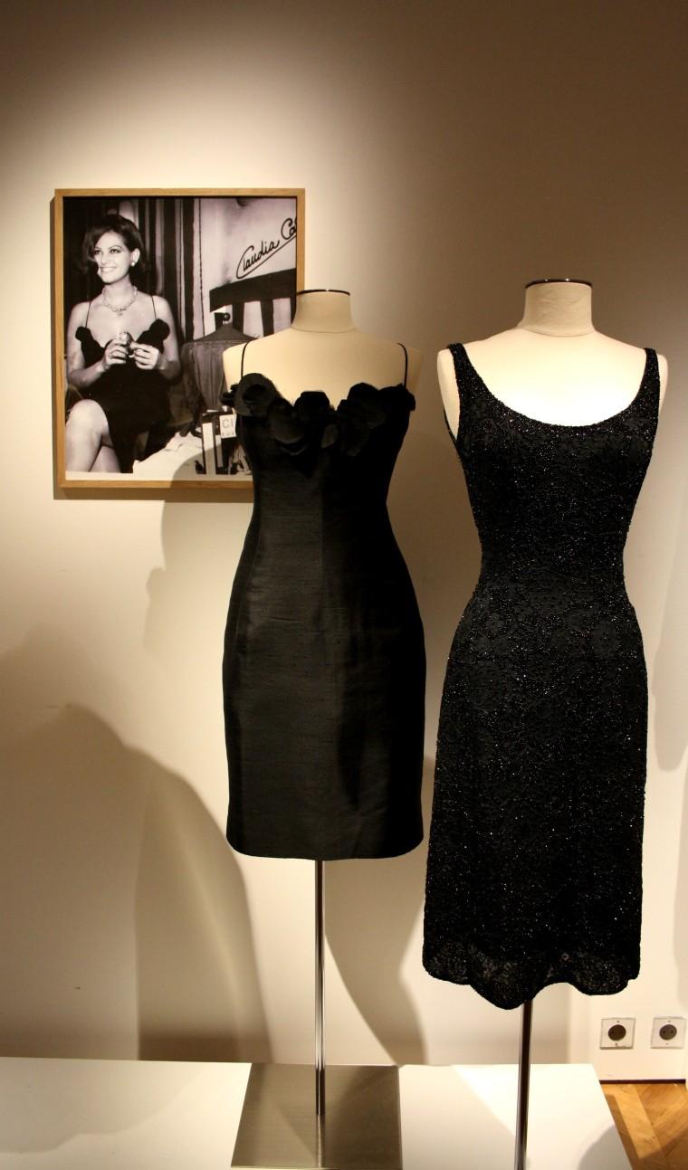 Détails vêtements Claudia Cardinale (2)
