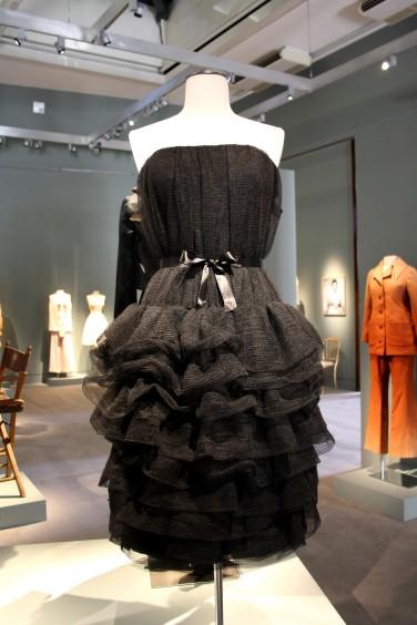 Petite Robe noire bouffante Claudia Cardinale