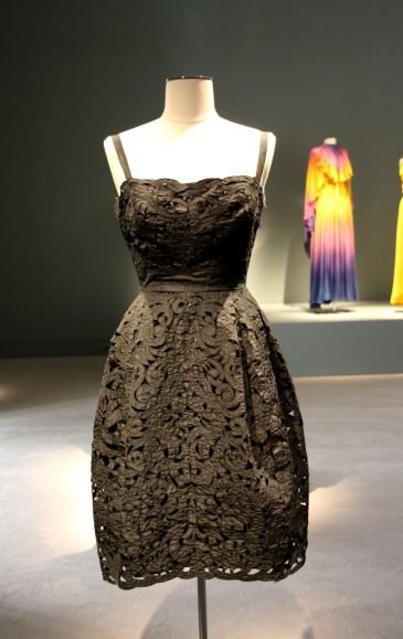 Petite robe noire Claudia Cardinale
