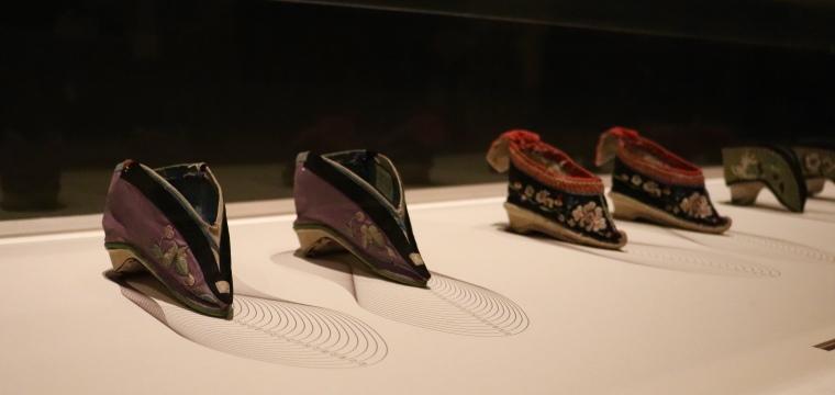 Chaussures pieds bandés de Chine, Musée des Arts Décoratifs