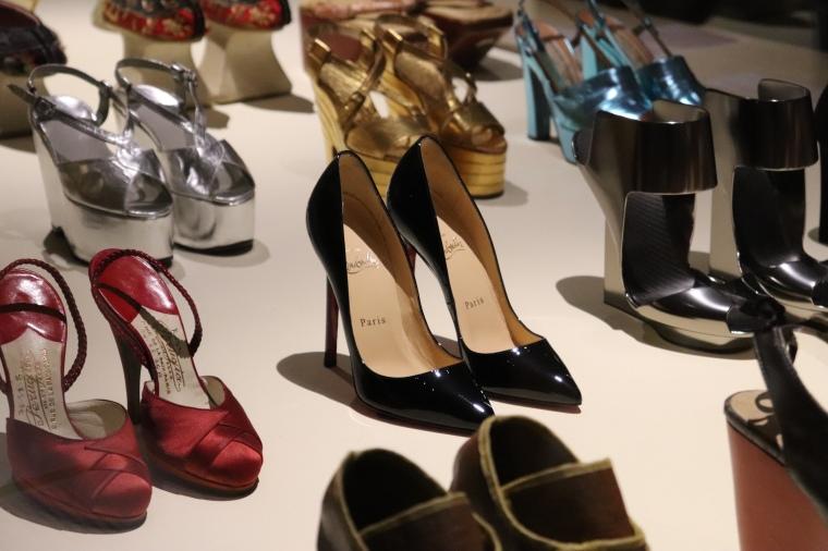 Marche et Démarche, une histoire de la chaussure