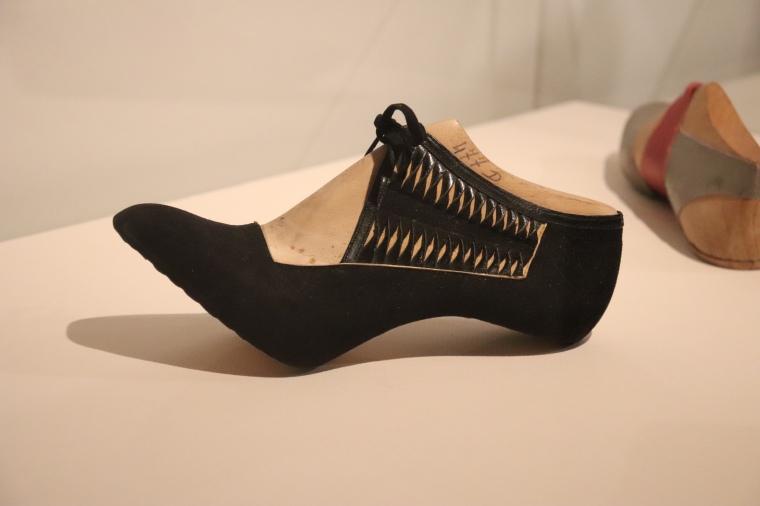 Marche et Démarche, une histoire de la chaussure au Musée des Arts Décoratifs