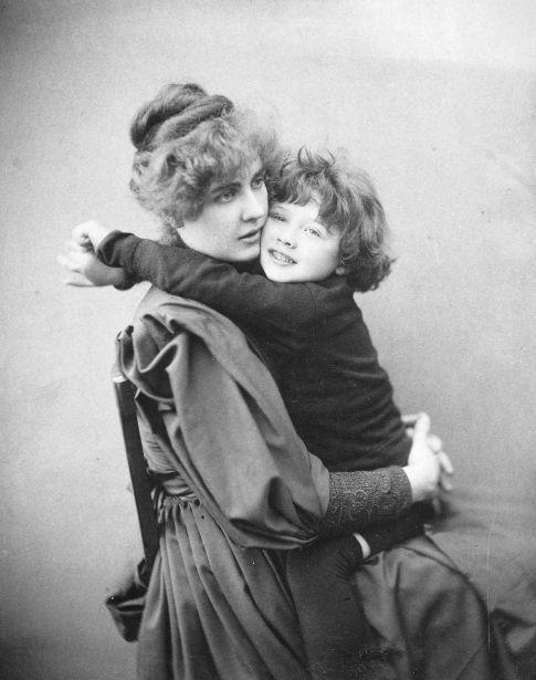 Constance Wilde, femme d'Oscar Wilde, et leur fils Cyril