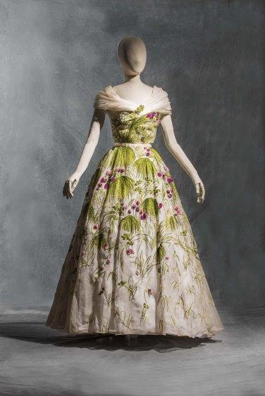 Fashion Forwards, trois siècles de mode, au musée des arts décoratifs