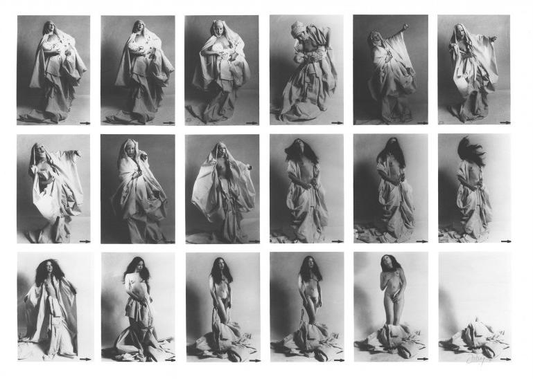 ORLAN Striptease Historique